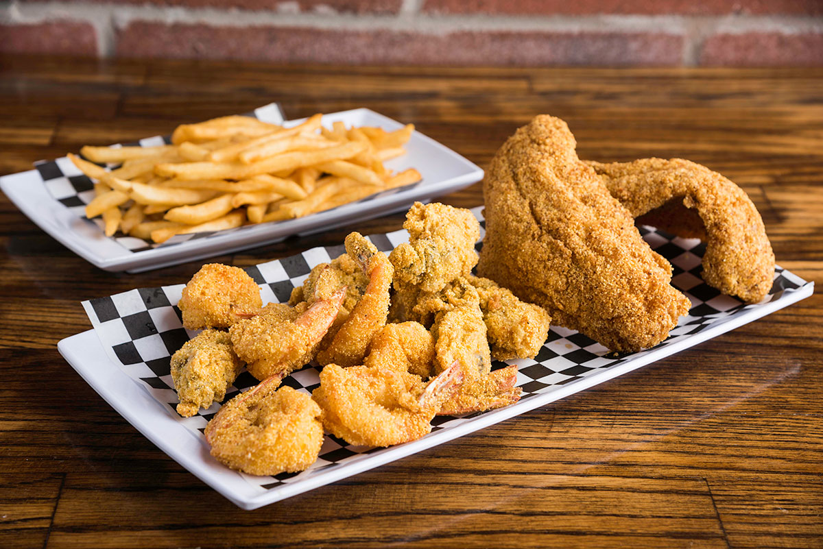 Combination Platter (Shrimp, Oyster, Catfish, Fries)
